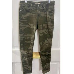 Levi's 711 skinny camo jeans